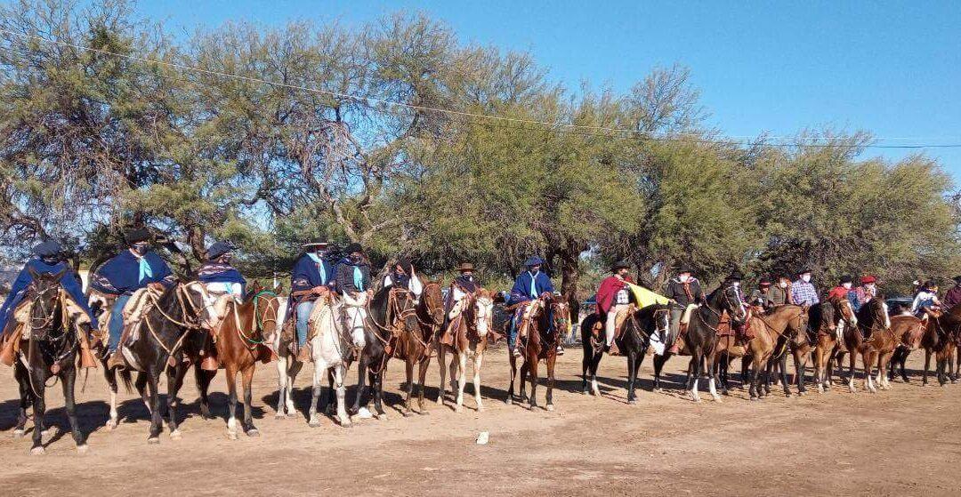 El homenaje a Esquiú en El Suncho también se hizo a caballo