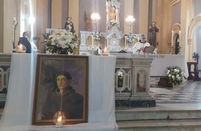 ¡Viva fray Mamerto Esquiú! aclamaron desde el Convento Franciscano
